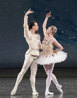 New York City Ballet Principal Dancers Sara Mearns and Tyler Angle in Diamonds